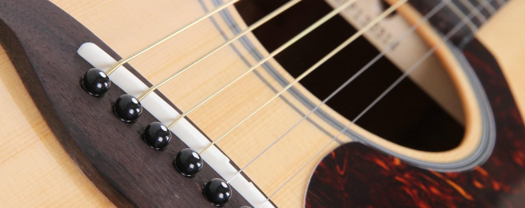 Yamaha fg700s Folk Guitar
