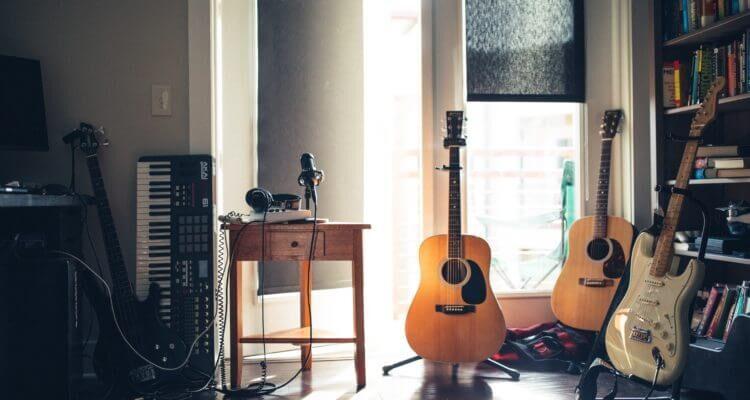 Martin Smith W100 Acoustic Guitar