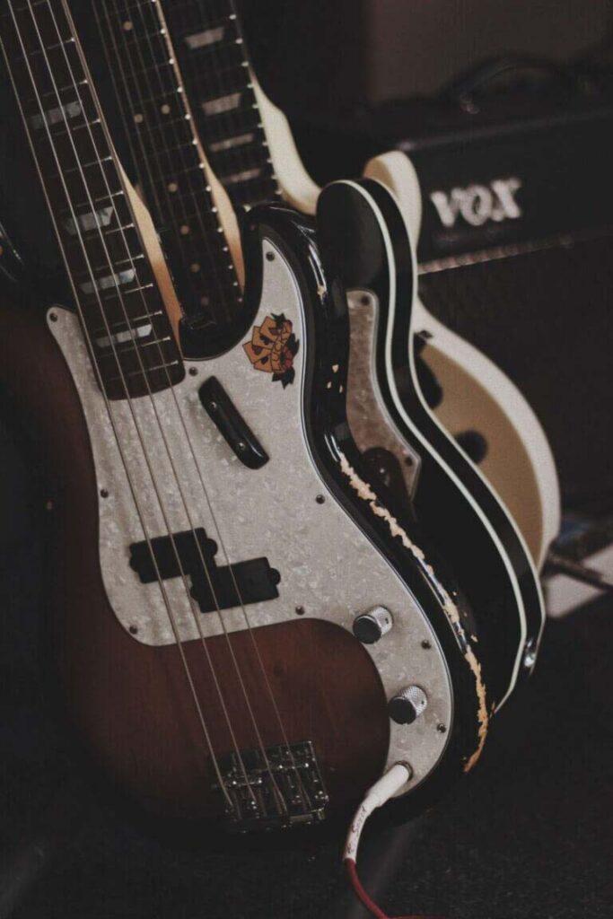Best beginner guitar - Rockjam review - Bass guitars